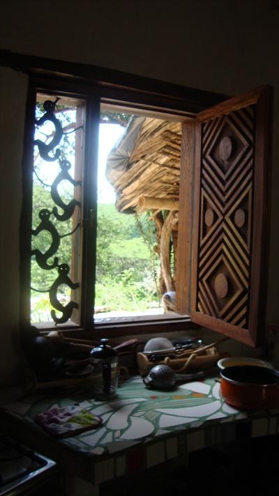 Segunda ventana de la cocina, aun flat poner el mosquitero y vidrio