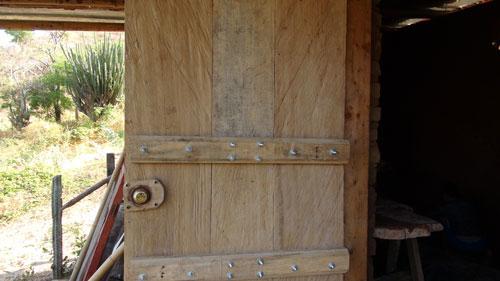 como hacer puertas de madera rusticas imagui