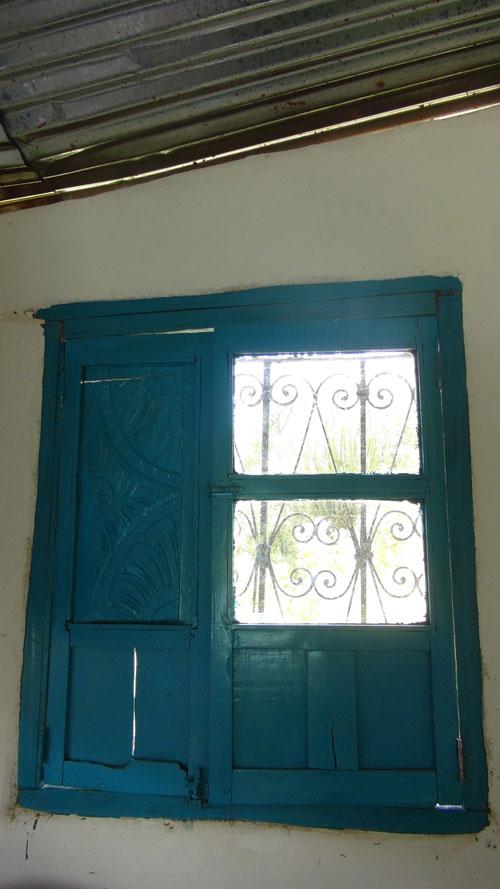 Casa eco eco 1 economica y ecologica refugio de adobe for Puertas y ventanas usadas en rosario
